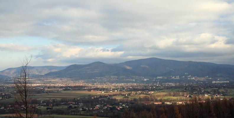 10-IMG 4667 -- Widok z Wyrgóry: Żar, Lipowski Groń i Równica