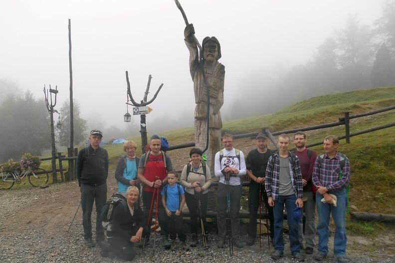 02-DSCN2384-jerzy -- Portret grupowy pozowany pod świętym Jakubem [Fot. Jerzy G.]