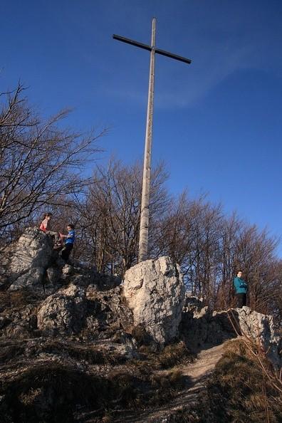 079-IMG 8123 -- Oliwia, Mikołaj i (ciocia) Anna na szczycie Zadného Šípu